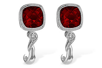 M238-34712: EARRINGS 2.36 GARNET 2.40 TGW